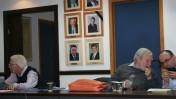 הכיסא הריק של אהרן לפידות, ישיבת מועצת העיתונות, 28.3.2016 (צילום: אורן פרסיקו)