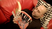 """אסף חנוכה, מתוך סרטון של """"כלכליסט"""" (צילום מסך)"""