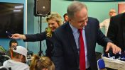 """ראש הממשלה בנימין נתניהו ואשתו שרה מארחים במשרד ראש הממשלה ילדים ממשפחות נפגעות טרור וילדים חולים במחלות נדירות, 12.1.17 (צילום: קובי גדעון, לע""""מ)"""