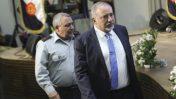 """שר הביטחון אביגדור ליברמן ומאחוריו הרמטכ""""ל גדי איזנקוט (צילום: פלאש 90)"""