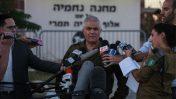 """דובר צה""""ל היוצא מוטי אלמוז מתדרך עיתונאים (צילום: פלאש 90)"""