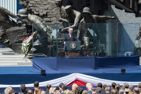 נשיא ארצות-הברית דונלד טראמפ נואם בוורשה, 6.7.2017 (צילום: Andrea Hanks, נחלת הכלל)