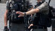 """שוטרי מג""""ב ליד שער האריות בעיר העתיקה בירושלים, 23.7.17 (צילום: יונתן זינדל)"""